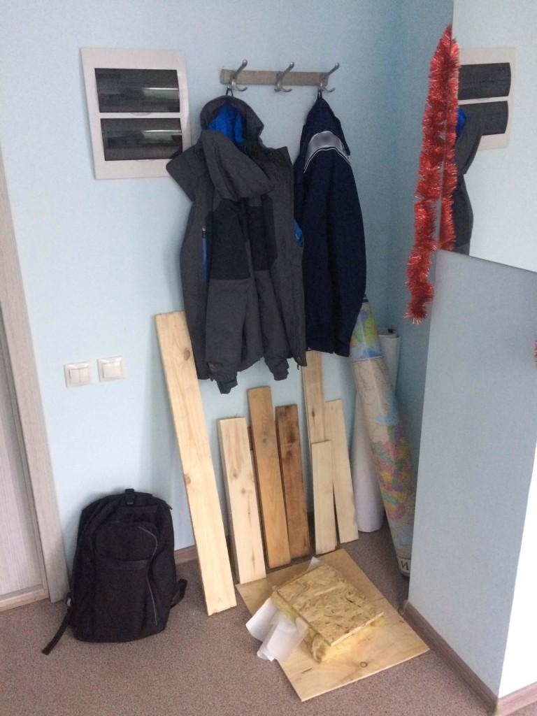 деревяшки в офисе
