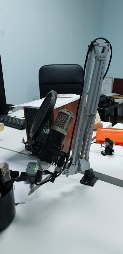 микрофон в офисе